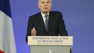 Jean-Marc Ayrault, ministro francês das Relações Exteriores, abre a conferência