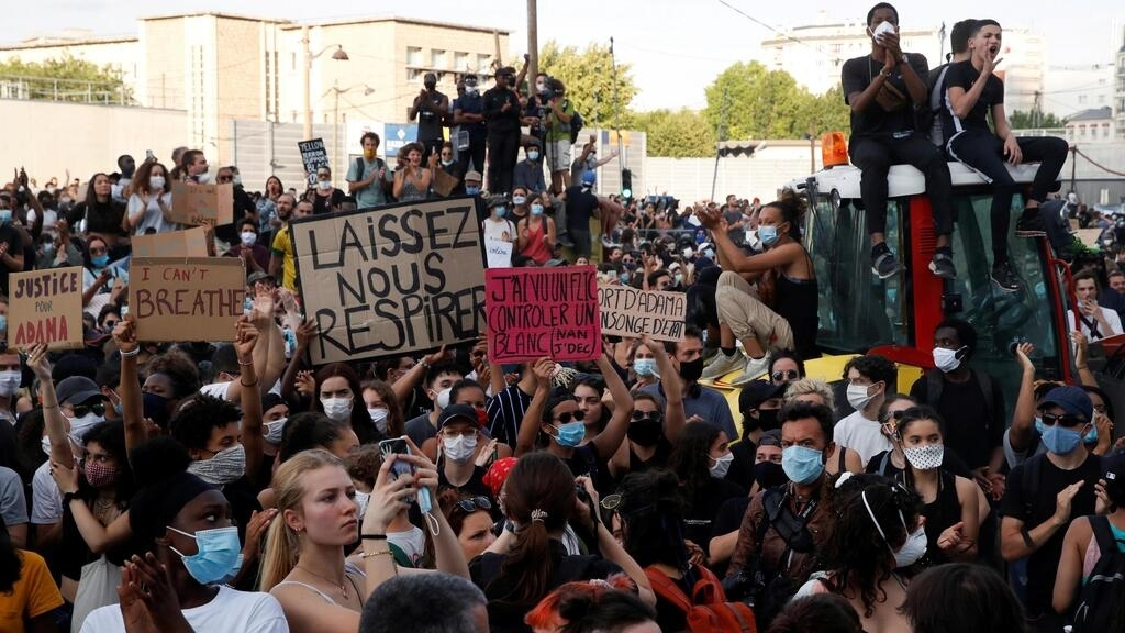 À la Une: le débat sur le racisme et les violences policières