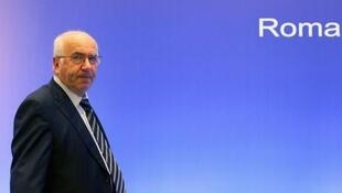 Presidente da Federação Italiana de Futebol, Carlo Tavecchio, foi suspenso pela Fifa por racismo.