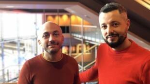 """Caetano Gotardo e Marco Dutra (d) um dia após a estreia de """"Todos os Mortos"""" na 70ª Berlinale"""