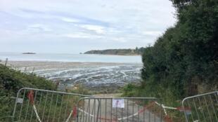 La plage de la Grandville est l'une des trois fermées par la municipalité de Hillion (Côtes d'Armor).
