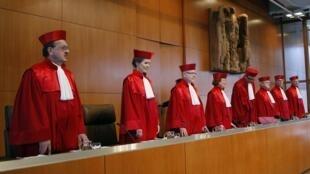 Tribunal Constitucional de Karlsruhe deu sinal verde para medidas de resgate do euro