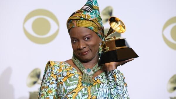 La Béninoise Angélique Kidjo a remporté son quatrième Grammy Awards, en catégorie Musiques du monde pour son album «Celia», au Staples Center, de Los Angeles.