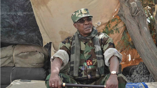 Shugaban Chadi Idris Deby sanye da kakin soji a filin-daga da Boko Haram