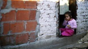 Mais de 29% da população argentina vive abaixo da linha da pobreza.