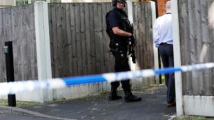 A polícia britânica deteve nesta terça-feira (23) na zona sul de Manchester um homem de 23 anos supostamente relacionado com o atentado que deixou 22 mortos e 59 feridos.