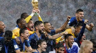Đội tuyển Pháp hân hoan mừng nhận Cúp vàng vô địch World Cup 2018, Matxcơva, ngày 15/07/2018.
