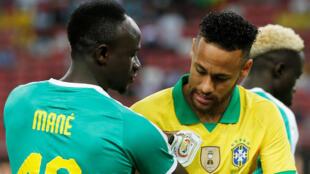 Sadio Mané (Sénégal) et Neymar (Brésil), le 10 octobre 2019.