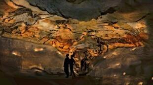 Facsímile de la cueva de Lascaux.