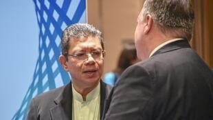 Ngoại trưởng Malaysia trao đổi với đồng nhiệm Mỹ Mike Pompeo. Ảnh tư liệu chụp ngày 03/08/2018.