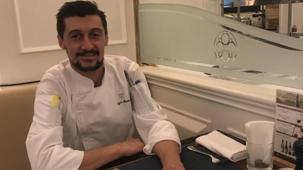 Chef Edgar Alves no Café Bela Vista do Hotel Grand Lapa de Macau a 12 de Dezembro de 2018.