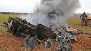 یک چرخبال نیروهای سوری که توسط شورشیان مورد حمایت ترکیه سرنگون شد - ١١ فوریه ٢٠٢٠