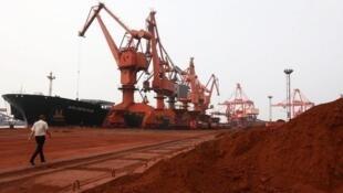 Kim loại hiếm tại tỉnh Giang Châu được xuất khẩu sang Nhật.