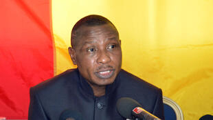 Moussa Dadis Camara a donné une conférence de presse à Ouagadougou le 11 mai 2015 lors de laquelle il a annoncé sa candidature à l'élection présidentielle de Guinée.