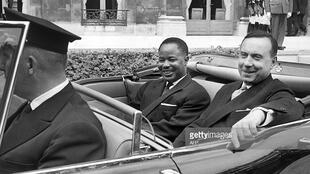 Shugaban Kamaru Ahmadou Ahidjo tare da Fira Ministan Faransa, Michel Debre. 27/07/1960.