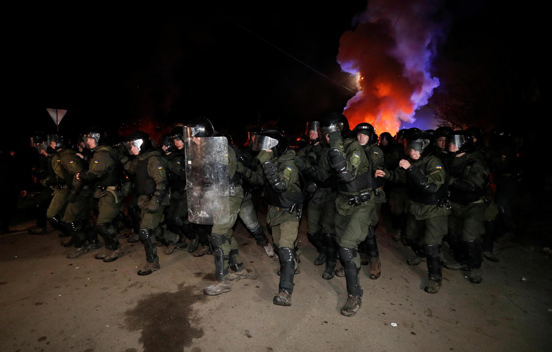 2020-02-20T210654Z_1080499291_RC2I4F977BSJ_RTRMADP_3_CHINA-HEALTH-UKRAINE-PROTESTS