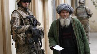Немецкий миротворец в Кундузе, на севере Афганистана 6 декабря 2010.