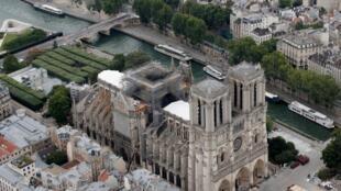 Vue aérienne de Notre-Dame de Paris, en juillet 2019.