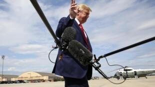 Tổng thống Trump trả lời giới báo chí tại căn cứ Andrews, Maryland, Mỹ, ngày 26/09/2019.
