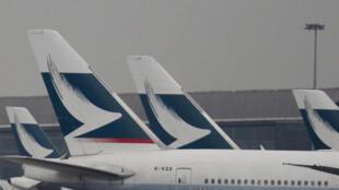 Les employés de la Cathay Pacific ayant pris part à des rassemblements illégaux ou à des «actions violentes» sont interdits de vols dans l'espace aérien continental.
