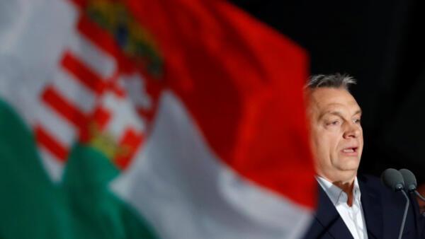 O premiê húngaro Viktor Orbán em Budapeste após o anúncio dos primeiros resultados das eleições de 2018