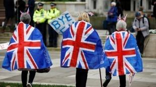 一些英國人慶祝英國脫歐,2020年1月31日晚。