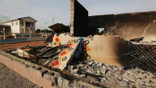 A burnt building in Kaduna city in the north of Nigeria, 19 April 2011.