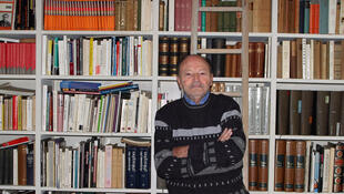 Michel Tournier at his home of Choisel,  04 Avril 2005