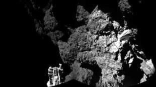 """កូនយាន Philae ដែលបានចុះចតដោយជោគជ័យលើផ្កាយដុះកន្ទុយ """"ជូរី"""" (Churyumov Gerasimenko)"""