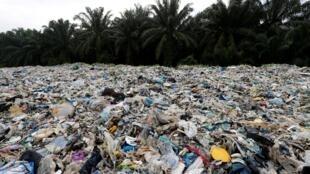 Déchets plastiques à Jenjarom, dans le district de Kuala Langat, en Malaisie.