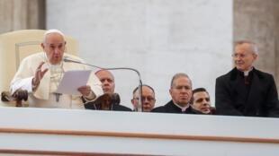 Le pape François lors de sa traditionnelle audience générale le 13 novembre 2019, au Vatican.