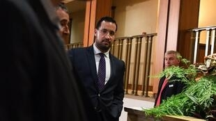 The former employee of the Elysée Alexandre Benalla leaves the Senate after answering the questions of the Investigation Committee of the Upper House on 19 September 2018.