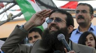 Khader Adnan, símbolo da luta dos prisioneiros palestinos nas prisões israelenses, em uma de suas saídas, em de julho.