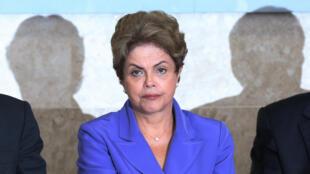 Muitos analistas acreditam que impeachment da presidente Dilma Rousseff é improvável.