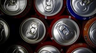 Para combater obesidade, o Reino Unido vai aumentar impostos sobre bebidas açucaradas.