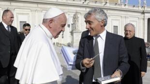 Глава INPS Тито Боэри после аудиенции у Папы Франциска. Ноябрь 2015 г.