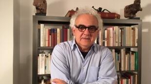 O escritor Milton Hatoum.
