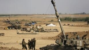 Soldados israelenses em Gaza nesta quarta-feira, 30 de julho de 2014.