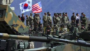 (Ảnh minh họa). Binh lính Mỹ và Hàn Quốc tập trận chung, ngày 26/04/2017 tại Pocheon.