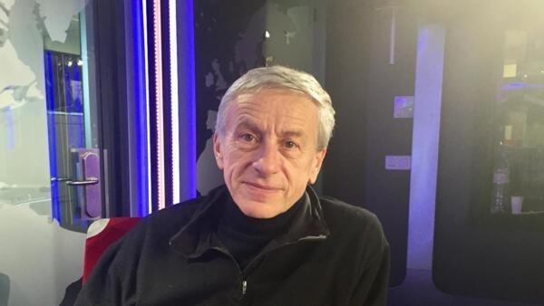L'écrivain Jean-Christophe Rufin en studio à RFI (décembre 2019).