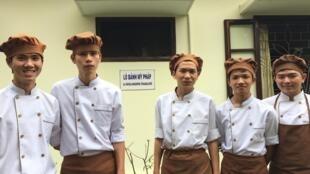Học viên Lò Bánh Mỳ Pháp, Huế.