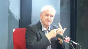 Hubert Védrine, ancien ministre français des Affaires étrangères sur RFI, le 26 juin 2019.