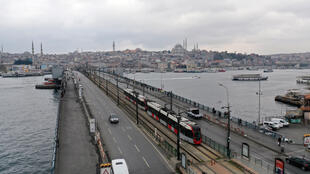 2020-03-23T000000Z_1406533314_RC2NPF9J81PE_RTRMADP_3_HEALTH-CORONAVIRUS-TURKEY - ISTANBUL