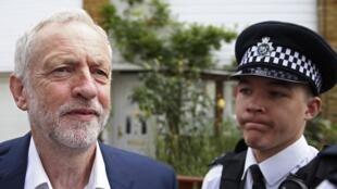 Jeremy Corbyn, le leader du Parti travailliste, quitte son domicile, le 29 juin 2016.