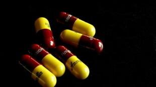 圖為抗生素藥
