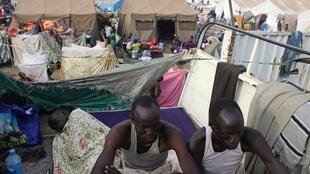17,000 displaced people who fled their homes are being sheltered by the United Nations in Juba, 10 January 2014.