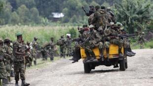 Rebeldes do M23 junto de Sake, a oeste de Goma, 30 novembre 2012.