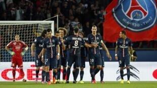 O Paris Saint-Germain venceu por 5-0 o Saint-Étienne no Parque dos Príncipes em Paris.