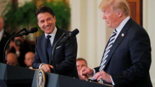 O líder italiano Giuseppe Conte e o presidente norte-americano Donald Trump se reuniram na Casa Branca, onde confirmaram suas afinidades