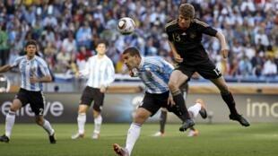 Suspendu contre l'Espagne, Thomas Müller sera de retour contre l'Uruguay.